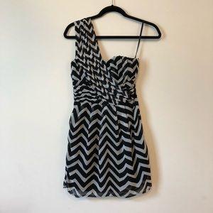 One shoulder chevron H&M dress